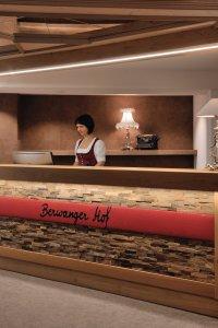 Rezeption im Berwanger Hof - 4 Sterne Hotel im Allgäu