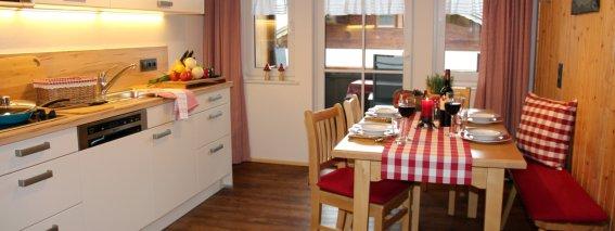 Küche und Essbereich im