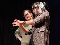 Seil Zaubertrick mit Zuschauerin (Internet)