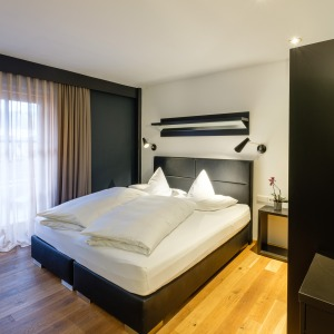 Good Room 12