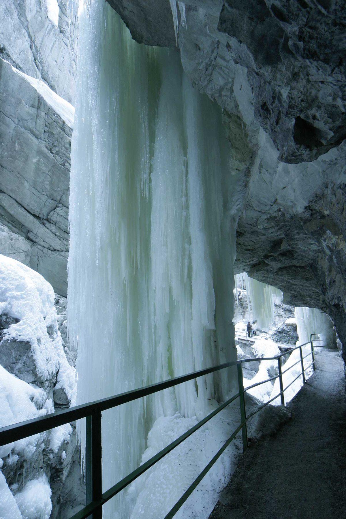 Imposante Eisvorhänge