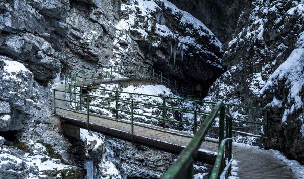 Zwingbrücke in der Breitachklamm im Winter