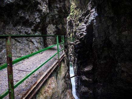 Weg zur Wasserstandsbrücke