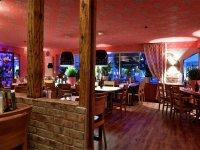 Herzlich willkommen im Bistro Steakhouse Relax