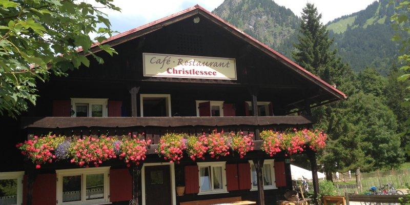 Herzlich Willkommen im Café - Restaurant Christlessee