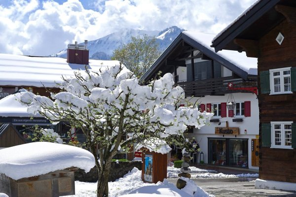 Oberstdorf im April-Schnee