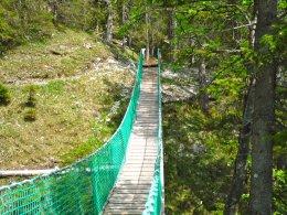 Hängebrücke am Erlebnisweg Uff d´r Alp