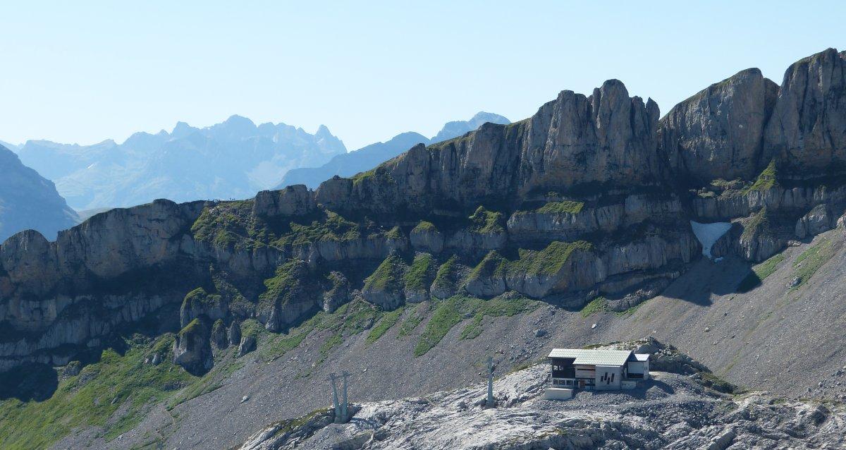 Ifenmassiv mit Bergstation Hahnenköpfle