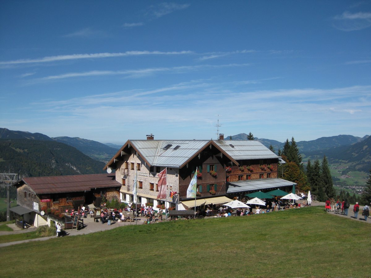 Berghaus Schönblick im Sommer