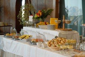 leckeres Buffet beim 400-Gipfel-Brunch