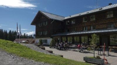 Sonnenterrasse am Berghaus Schönblick