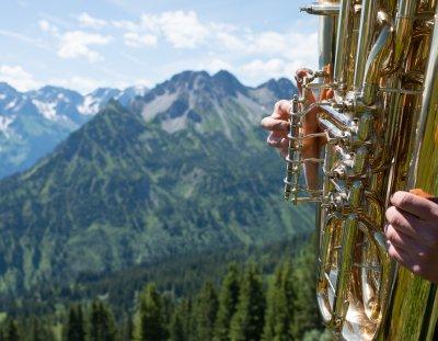 Blasmusikklänge am Berg