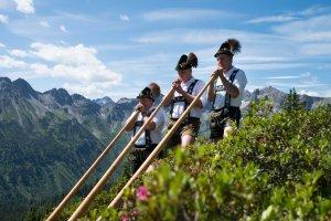 Bergfest zur Alpenrosenblüte