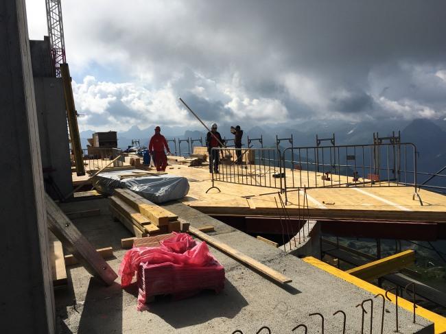 Fertigstellung der Decke 2. UG in Holzbauweise