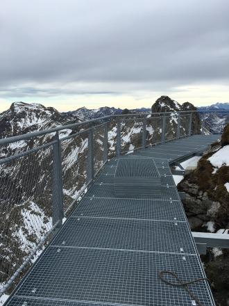 Auch das Geländer für den Nordwandsteig ist nun angebracht