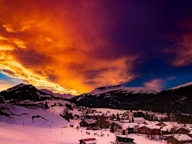 Sonnenuntergang über Riezerln