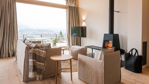 Wohnbereich im Waidmannsheil mit Ausblick auf die Berge