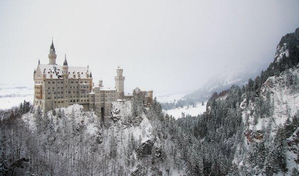 Verschneites Märchenschloss