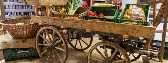 Gemüsewagen Ladenmitte