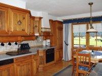 Einladende Küche im Landhausstil