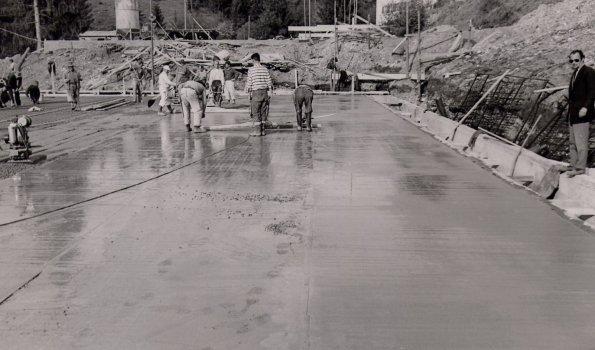 Bau Kunsteisstadion
