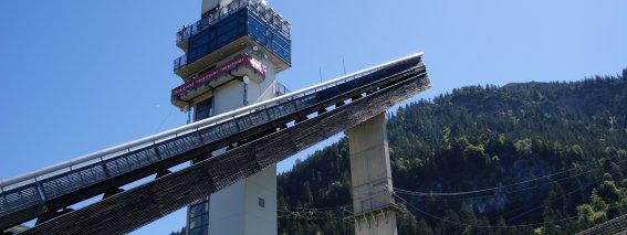 Turm der Großschanze mit Skywalk-Park