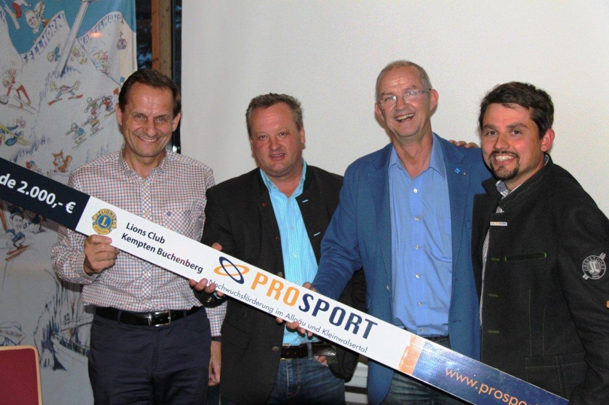 Spendenübergabe der Lions Kempten-Buchenberg an PROSPORT