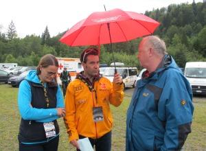 Horst Hüttel mit Dr. Peter Krujer und Ina Seidel