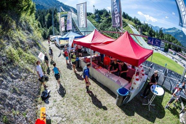 Durchlauf beim Allgäu Panorama Marathon 2016 in der Erdinger Arena