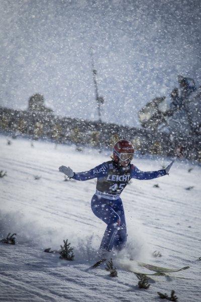 Dichtes Schneetreiben am zweiten Tag des Damen-Weltcups