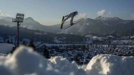 FIS Weltcup Skispringen Damen
