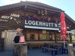 Die Lögerhütte im Sommer