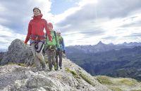 Im Gänsemarsch durch den Klettersteig