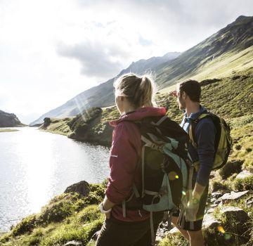 Toller Ausblick auf den Langsee beim Wandern im Montafon