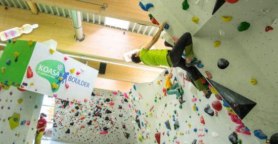 In der Koasa Boulderhalle ist Ausdauer gefragt