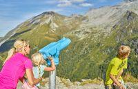 Auf geht's zur Gletscherflohsafari auf dem Hintertuxer Gletscher
