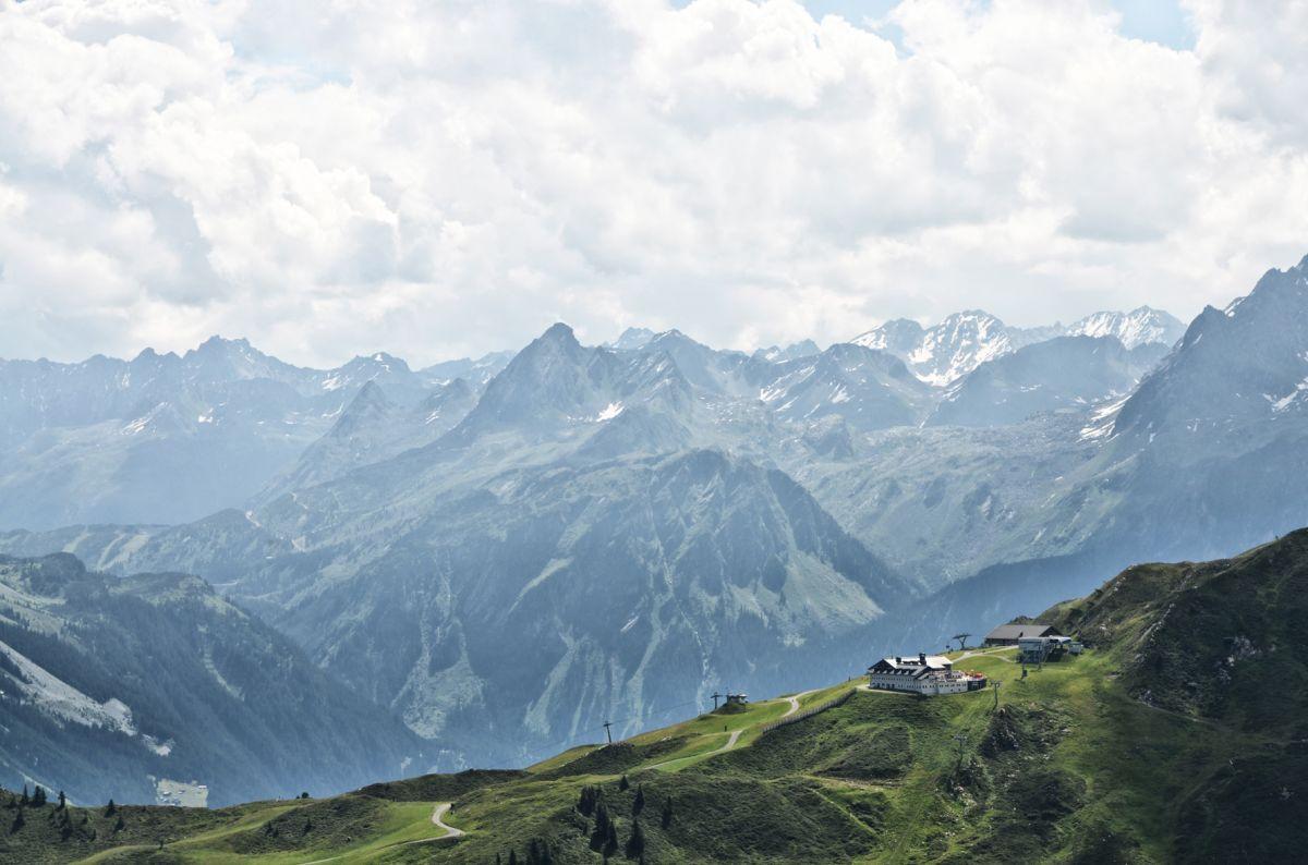 Klettersteigset Verleih Berchtesgaden : Klettersteig burg versettla bahn explorer hotel montafon