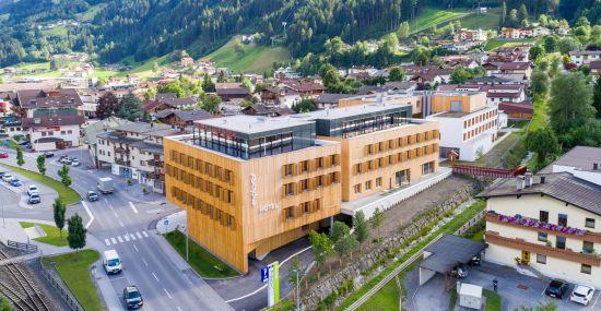 Das Explorer Hotel Zillertal in Kaltenbach von oben