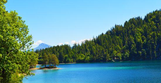 Hintersteiner See mit Kitzbüheler Horn im Hintergrund
