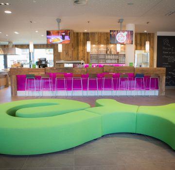 Explorer Lounge und Bar
