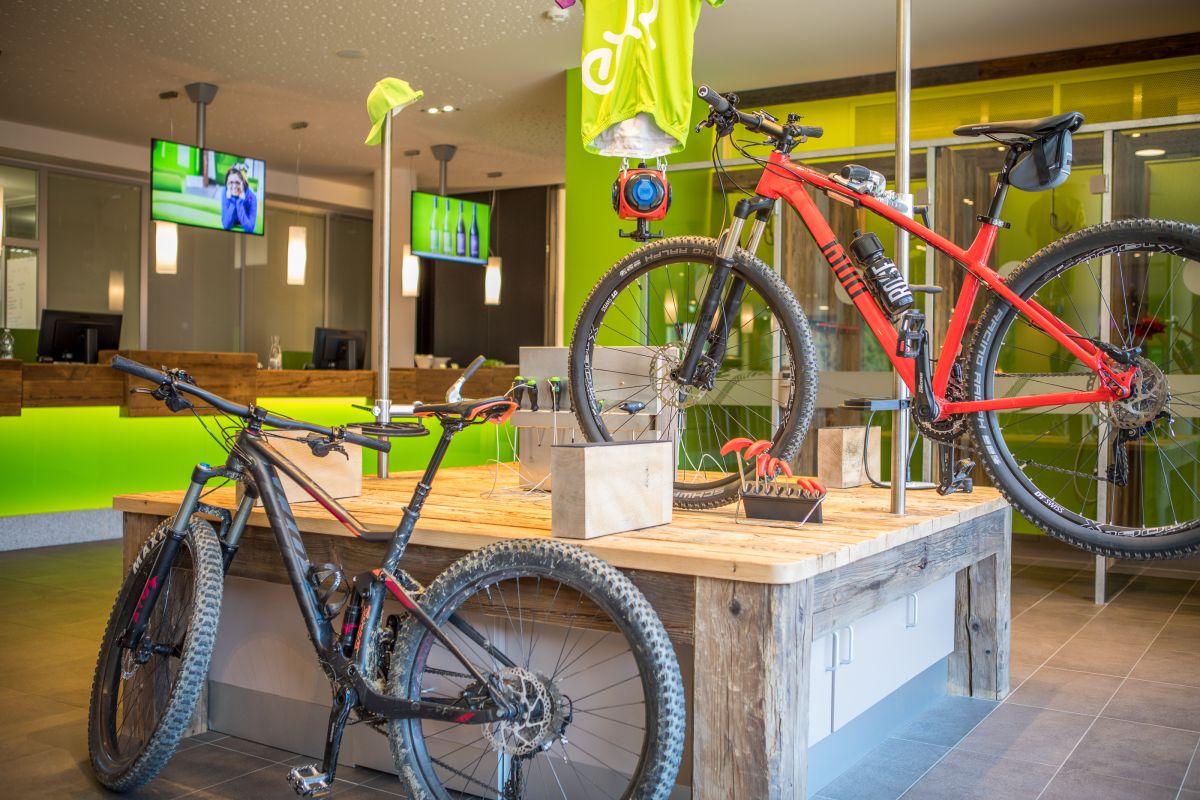 Klettersteigset Oberstdorf Leihen : Leih deine ausrüstung im explorer ski & bike testcenter