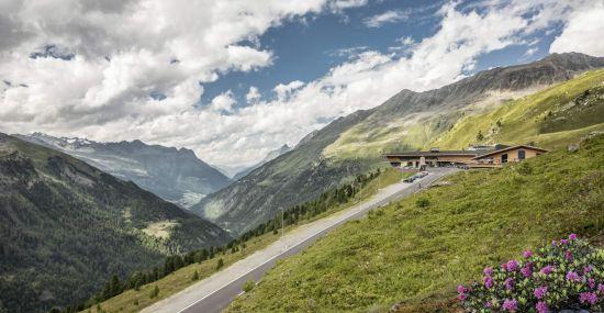 Atemberaubendes Panorama rund um den Top Mountain Crosspoint