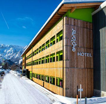 Explorer Hotel Hinterstoder mit Blick auf die Berge