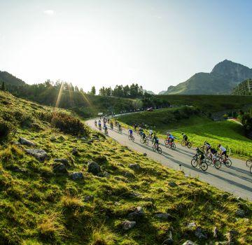 Radgruppe in der Bergen, Fotograf: Lukas Ennemoser