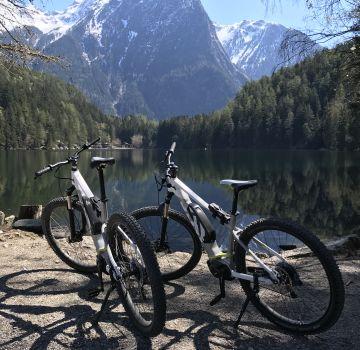 Mit dem E-Bike zum Piburger See