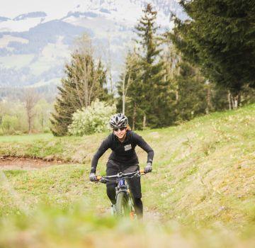 Gali Weinberg unterwegs in den Kitzbüheler Alpen
