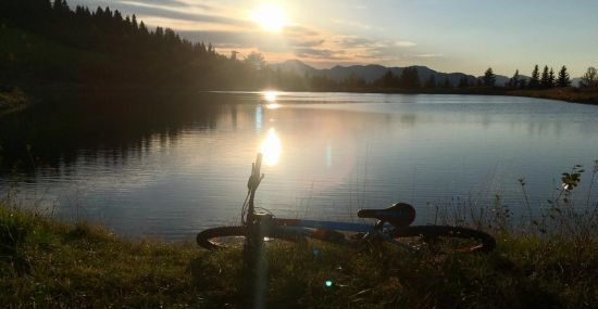 Sonnenuntergang bei der MTB-Tour zum Schlosserbergsee
