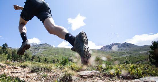 Beim Trailrunning kann es auch mal matschig werden