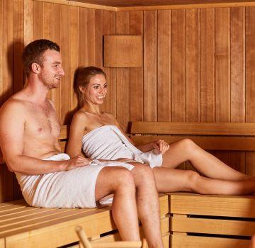 Entspanne Deine Muskeln in der Sauna