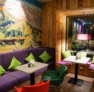 Die neuen Sitzecken im Explorer Hotel Bad Kleinkirchheim